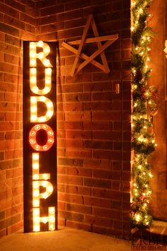 Check out how I turned a few boxes of clear ornament bulbs into a DIY Rudolph marquee sign!