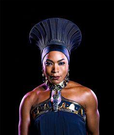 Black Panther Marvel, Shuri Black Panther, Black Panther Character, Black Panther 2018, Black Is Beautiful, Black Love, Beautiful Pictures, Black Queen, Black Women Art
