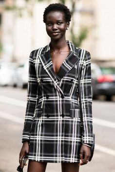 9386d85db5a Outfit Inspiration From NYFW Street Style Edgy
