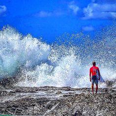 QuickSilver Roxy Pro Snapper Rocks #snapperrocks #coolangatta #mick_fanning #quicksilverpro #quicksilverroxypro #exprerience #travel #livinglife #wonderlust #prosurfer by chris.ryan.photography