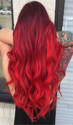 Simple red hair color trend Ombre Blond, Red Ombre Hair, Balayage Hair Blonde, Dark Purple Hair Color, Beautiful Red Hair, Short Thin Hair, Green Hair, Hair Looks, Red Hair