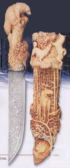 Cabo em escultura de madeira, lindo trabalho na lâmina e no cabo