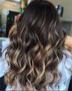 45 Brunette Looks We're Falling for this Season – Hair Color – Modern Salon – Haircolor Brown Ombre Hair, Brown Hair With Highlights, Light Brown Hair, Brown Hair Colors, Brunette With Caramel Highlights, Chunky Highlights, Color Highlights, Blonde Highlights, Reverse Balayage