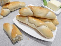 Croissant Bread, Cooking Tips, Cooking Recipes, Czech Recipes, How To Make Bread, Hot Dog Buns, Biscuits, Food And Drink, Baking