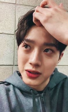 Chines Drama, Cute Asian Guys, Guan Lin, Lai Guanlin, I Call You, Kim Jaehwan, Asian Actors, Asian Men, Boyfriend Material