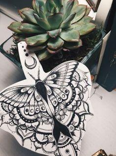 luna moth tattoo design mandala henna moon dotwork – Tattoo ideen – Source by HennaDesignsHand Mandala Tattoo Design, Butterfly Mandala Tattoo, Mandala Arm Tattoo, Moth Tattoo Design, Moon Mandala, Tattoo Designs, Henna Mandala, Henna Designs, Trendy Tattoos