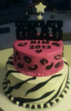 Zebra and cheetah Grad cake