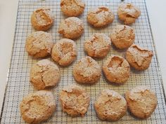 Makroner – Bagehuset.dk Signs, Muffin, Snacks, Breakfast, Sweet, Food, Treats, Morning Coffee, Candy