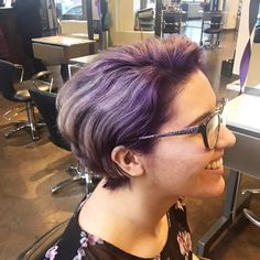 �� Purple color transformation! ��Used Paul Mitchell's POP XG line on top of a toned level nine for this cute root smudge to lavender/silver. Blended the previous cut a bit to finish off this awesome project! [Swipe for before pictures] • • • #hair #cosmetology #haircolor #phase2 #paulmitchell #kellycardenassalon #modernsalon #popxg #fashioncolor #portlandstylist #portlandhair #portland #color #haircutting #silverhair #lavenderhair @pmtspdx @paulmitchellus @paulmitchelledu @modernsalon…