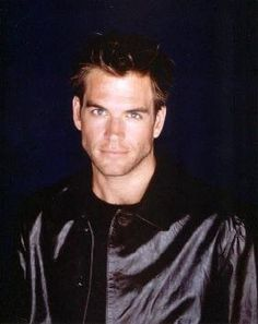 Michael Weatherly - NCIS (DiNozzo) look at his kaw! Michael Weatherly, Anthony Dinozzo, Serie Ncis, Hot Actors, Punk, Gorgeous Men, Beautiful People, Pretty People, Attractive Men