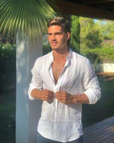 Sportsmancrush Hot Men, Sexy Men, Hot Guys, Cristiano Ronaldo, Portugal Football Team, Sports Celebrities, Blonde Guys, Shirtless Men, Champions
