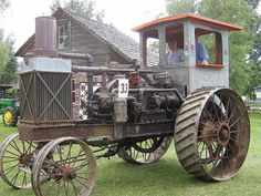 VINTAGE STEAM TRACTOR    ===>  https://de.pinterest.com/emilymaggie46/old-tractors/ ===>  https://de.pinterest.com/bwbruin/farm-tractors/