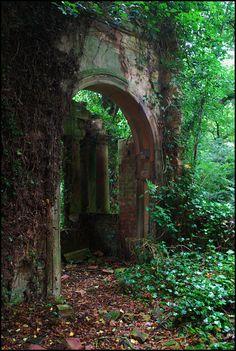 Portal, Toda Saída É Uma Entrada...