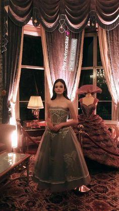 Mackenzie Foy Mackenzie Foy, Helen Mirren, Christopher Nolan, Keira Knightley, Disney Kingdom Hearts, Mia Wasikowska, Fantasy Dress, Vintage Glamour, Kristen Stewart
