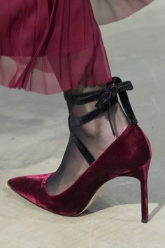 DesertRose,;,Carolina Herrera at New York Fall 2017 (Details),;,