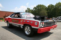 I saw this car at the Rockingham Mopar drags. Ronald Lyles was a drag racer in Brooklyn New York. Plymouth Muscle Cars, Dodge Muscle Cars, Nhra Pro Stock, Drag Racing, Auto Racing, Plymouth Valiant, Plymouth Duster, Sweet Cars, Drag Cars