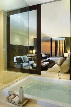 Master Suite & Master Bathroom