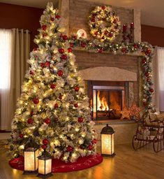Looking for for pictures for farmhouse christmas tree? Browse around this site for amazing farmhouse christmas tree ideas. This kind of farmhouse christmas tree ideas seems to be amazing. Outside Christmas Decorations, Christmas Mantels, Noel Christmas, Christmas Ideas, Christmas Tree And Fireplace, Decorated Christmas Trees, Christmas Decorations For The Home Living Rooms, Holiday Decorating, Simple Christmas