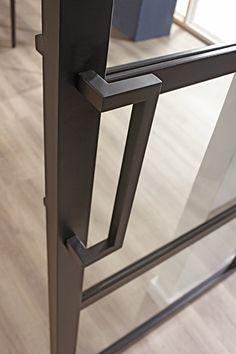 Minimalist door handle for the CanDo Industrial series. Minimalist door handle for the CanDo Industrial series. Steel Frame Doors, Steel Doors And Windows, Door Dividers, Vault Doors, Bohinj, Wrought Iron Decor, Kitchen Doors, Iron Doors, Bathroom Design Small