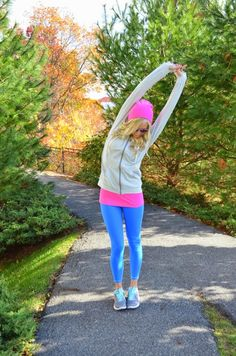 Nike Appreciation | McKenna Bleu. Albion Fit. Perfect workout outfit. Bright color workout outfit. Blue leggings. Running outfits. Gym wear. Fitness inspiration.