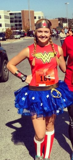 DIY Wonder Woman costume. Perfect to run in!