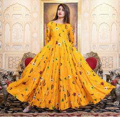 Casual Dresses, Summer Dresses, Formal Dresses, Maxi Dresses, Casual Outfits, Beautiful Women Tumblr, Indian Designer Wear, Pakistani Dresses, Aesthetic Clothes