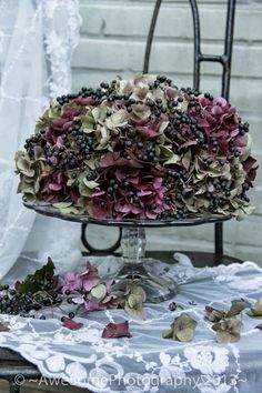 ~AweSomeLiving~: Een HerfstTaart .....like this idea for a dried flower cake