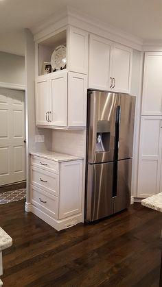 White Kitchen Design With Granite Countertops Kitchen Cabinet Design, Kitchen Redo, Kitchen Pantry, Kitchen Layout, Home Decor Kitchen, Kitchen Interior, New Kitchen, Home Kitchens, Kitchen Remodel