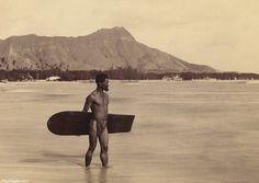 A Present-Day Local's Thoughts on Pre and Post-Cook Hawaii - Hawaii's Best Travel - Guide Blog and Podcast to Hawaii #history #antique #oldschool #hawaii #aloha #hawaiilife #honolulu #ハワイ #hawaiiunchained #luckywelivehawaii #hilife #nakedhawai #venturehawai #glimpseofhawaii #waikiki #hawaiian #alohaoutdoor #lethawaiihappen Vintage Hawaii, Vintage Surf, Waikiki Beach, Honolulu Hawaii, Rare Photos, Vintage Photos, Surfboard Shop, California Surf, Chef D Oeuvre