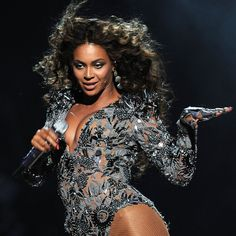 Pin for Later: Look Back at Queen Bey's Incredible VMAs Moments