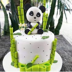 😋🤔 ⠀ ⠀ Stay with 👉👉 to joy amazing desserts🍩🍰😋 ⠀ ⠀ Credits by ⠀ ⠀ Tag… Panda Bear Cake, Bolo Panda, Panda Cakes, Panda Bears, Baby Cakes, Panda Birthday Cake, Panda Party, Beautiful Birthday Cakes, Cakes For Boys