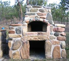 outdoor oven made of rock Outdoor Stove, Pizza Oven Outdoor, Outdoor Fire, Outdoor Cooking, Outdoor Living, Outdoor Kocher, Stone Pizza Oven, Clay Oven, Bread Oven