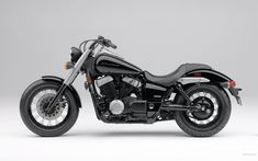 The new 2010 Honda Phantom just arrived, Looks like a cool [ATTACH] [ATTACH] Honda's Spirit has turned into a full-fledged Phantom. Honda 750, Motos Honda, Honda Motorcycles, Honda Bikes, Vintage Motorcycles, Womens Motorcycle Helmets, Cruiser Motorcycle, Motorcycle Art, Yamaha Cruiser