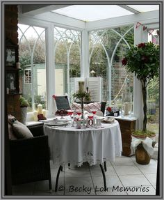 Loved creating this room setting for Valentines day....loads of craft ideas on Autumn Cottage life