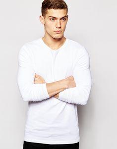 Muskelshirt T-Shirt von ASOS elastischer Jersey Rundhalsausschnitt eng geschnittene Ärmel sitzt eng am Körper enge Passform Maschinenwäsche 94% Baumwolle, 6% Elastan Model trägt Größe M und ist 188 cm/6 Fuß 2 Zoll groß