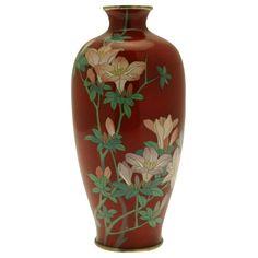 cloisonne vases from meji period - Bing Images Asian Furniture, Art Furniture, Modern Furniture, My Life Style, Second Empire, Japanese Porcelain, Enamels, Vases Decor, Asian Art