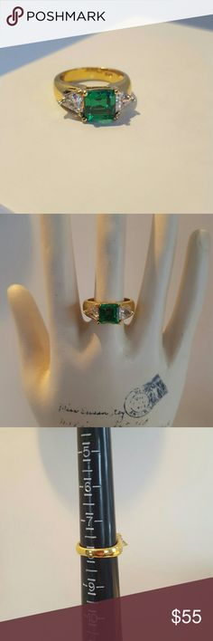 Ring Emerald Diamond 925 gold Gorgeous setting emerald cut in emerald  color stone is a gorgeous color , the clear color side stones enhance the beauty...stamped 925 in goldtone color.... Jewelry Rings