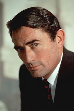 Eldred Gregory Peck (5 de abril de 1916, La Jolla, California, EE. UU. - 12 de junio de 2003, Los Ángeles, California, EE. UU.), conocido como Gregory Peck, fue un actor del cine clásico estadounidense ganador del premio Óscar.