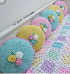 Knitting diy sweater pillow covers new Ideas Crochet Cushion Cover, Crochet Pillow Pattern, Crochet Motifs, Crochet Cushions, Crochet Shawl, Crochet Doilies, Crochet Flowers, Crochet Patterns, Crochet Purses