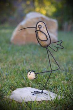 Stone Crafts, Rock Crafts, Wire Crafts, Metal Crafts, Cutlery Art, Art Shed, Wire Art Sculpture, Metal Art Projects, Deco Originale