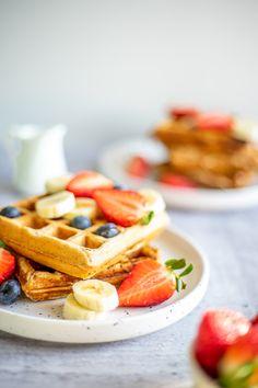 Basisrecept voor vegan wafels - The Veggie Reporter Food Photography, Veggies, Snacks, Vegan, Breakfast, Desserts, Morning Coffee, Tailgate Desserts, Vegetable Recipes
