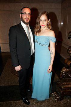 jemima kirke with husband (who looks so much like a rabbi, dude)
