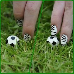The goals | 38 Awesome Nail Art Designs Inspired By The World Cup