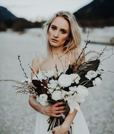 Rustic and asymmetric, white romantic roses look beautiful set against the autumnal foliage ? Bridal Hair, Bridal Gowns, Wedding Dresses, Romantic Roses, Boho Bride, Unique Weddings, Bridal Style, Our Wedding, Wedding Inspiration