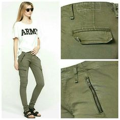 """Rag & Bone 'Bowery' Cargo Skinny Jeans Brand new with tags! Love the versatility of the pants!  Military green color!  Waist measurement - 14.5""""  Inseam - 29.5""""  Material content : 96% cotton, 4% Roica They have good stretch! rag & bone Pants Skinny"""