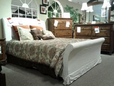 Bedford Sleigh Bed.