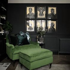 Dark masculine vibe lifted with a pop of earthy green tones to add an elements of life to the room. Dark Living Rooms, Living Room Green, Home Living Room, Living Room Designs, Living Room Decor, Gothic Living Rooms, Dark Home Decor, Gothic Home Decor, Green Home Decor
