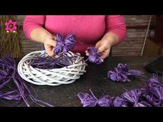 Floristic Academy - Velikonoční věnec - YouTube Arte Floral, Easter Wreaths, Diy Flowers, Flower Arrangements, Diy And Crafts, Bridal Shower, Bows, Deco, Christmas
