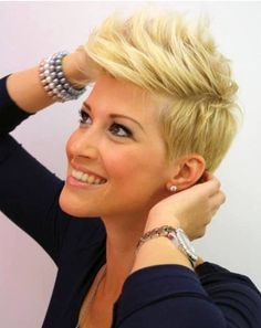 23 Short Layered Haircuts Ideas for Women - PoPular Haircuts Short Punk Hair, Short Layered Haircuts, Cute Hairstyles For Short Hair, Short Blonde, Short Hair Cuts, Short Hair Styles, Pixie Cuts, Hairstyles 2016, Blonde Pixie