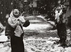 Children in the snow, a 1959 photo by Unosuke Gamoufirst posted by  flashofgod